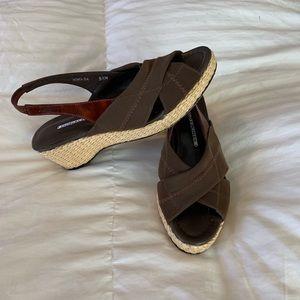 DONALD J PLINER sling back wedge. Size 5.5
